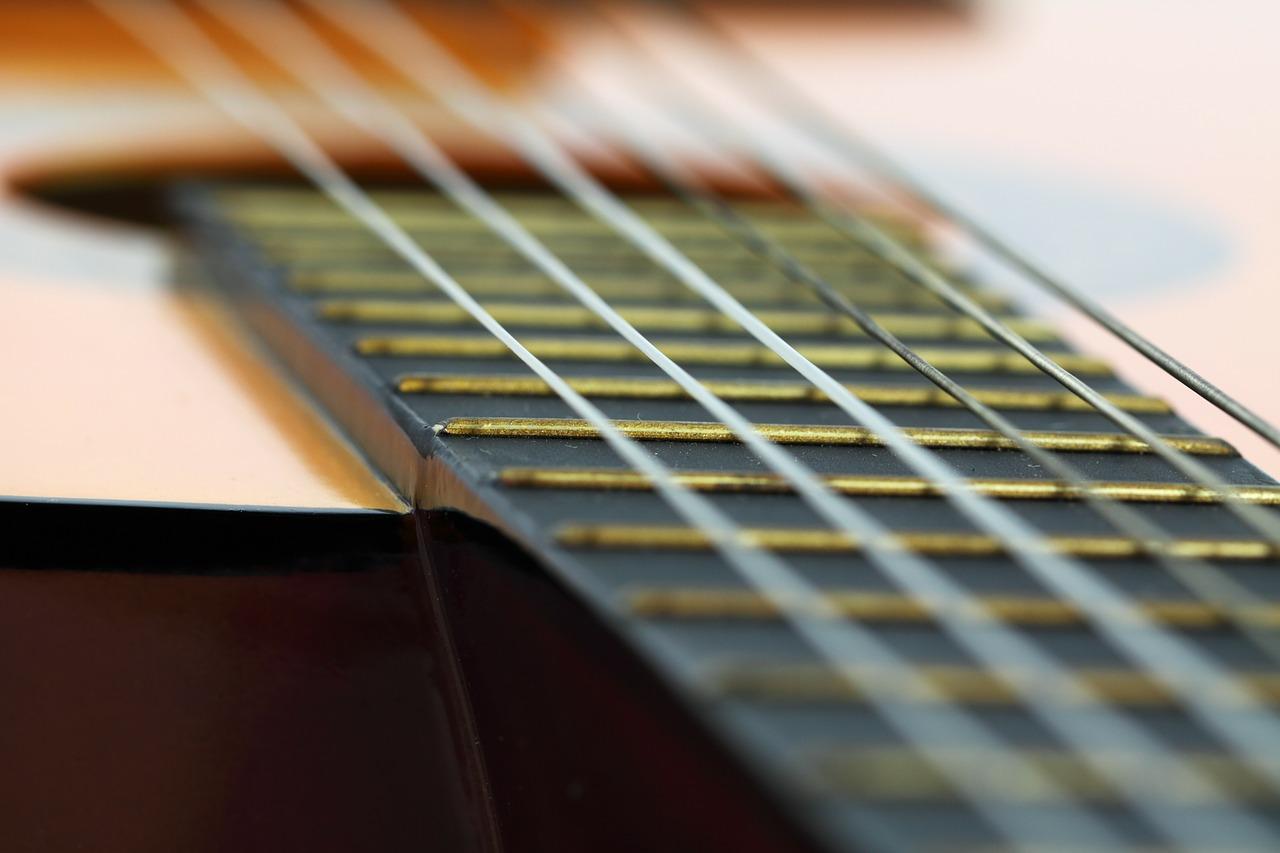 Akustiske guitarstrenge