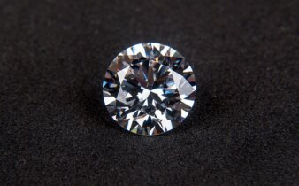 guitar med diamanter